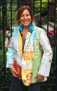 "Author Amy Krouse Rosenthal modeling her ""Book Jacket Jacket"""